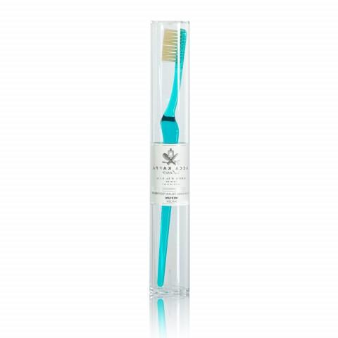 Зубная щетка с нейлоновой щетиной средней жесткости Turquoise