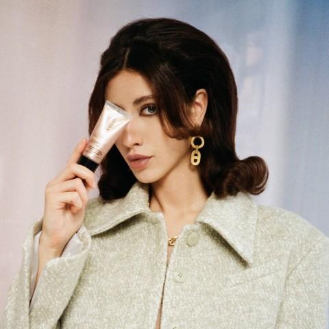 Сияющая основа-хайлайтер для макияжа